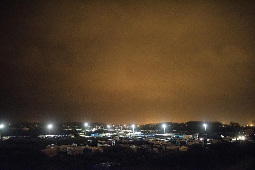 La Jungla de Calais a la nit